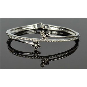 Bracelet métal couleur Argenté Collection Chic sertie de Strass D55mm fermoir a clip 76653