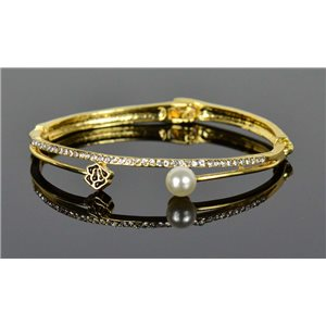 Gold colored metal bracelet Chic Collection set with Rhinestones D55mm clip clasp 76652