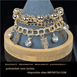 Pretty multirang charms bracelet set with high-shine rhinestones in gold metal 79076